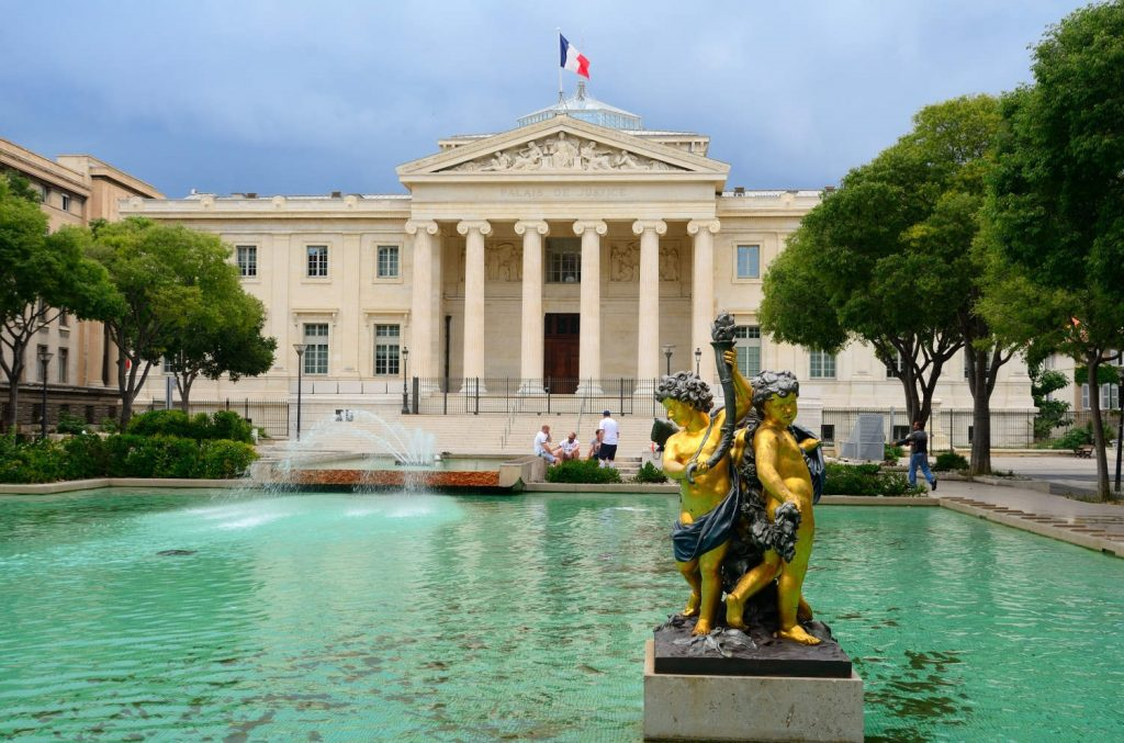Avocat défense des bailleurs, expulsion logement Marseille – Maître Aurélia Khalil